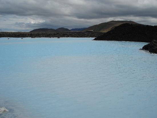 Grindavik, Island: Ponds outside Blue Lagoon