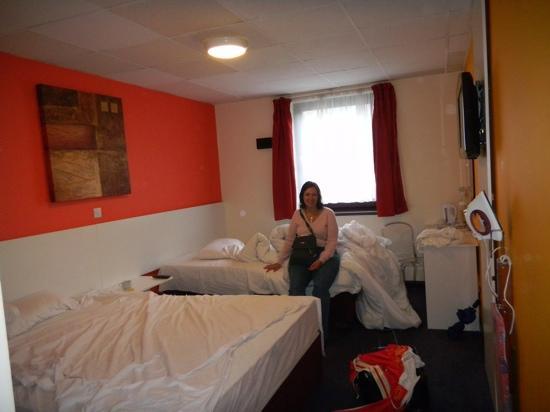 Ibis Styles London Leyton: our triple room