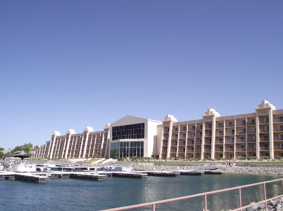 BlueWater Resort and Casino: The casino from near the boat ramp.