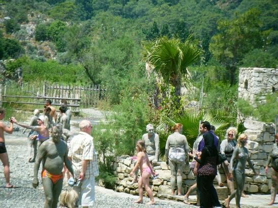 Golden Beach Hotel: mud baths