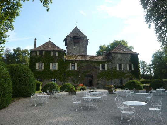Chateau de Coudree (back/lake side)