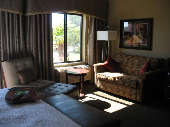 Hampton Inn & Suites - Paso Robles: Sitting Area