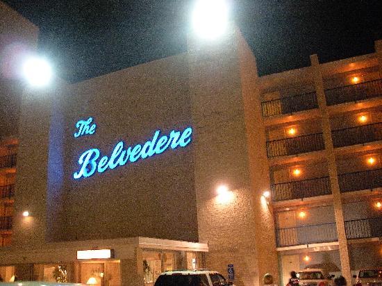 Belvedere Beach Resort : Belvedere at night
