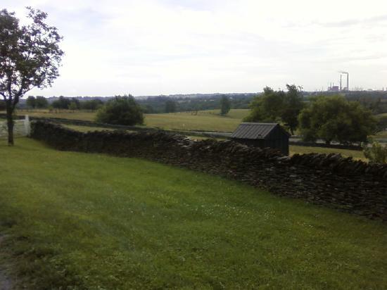 Harrodsburg, Kentucky: rock walls