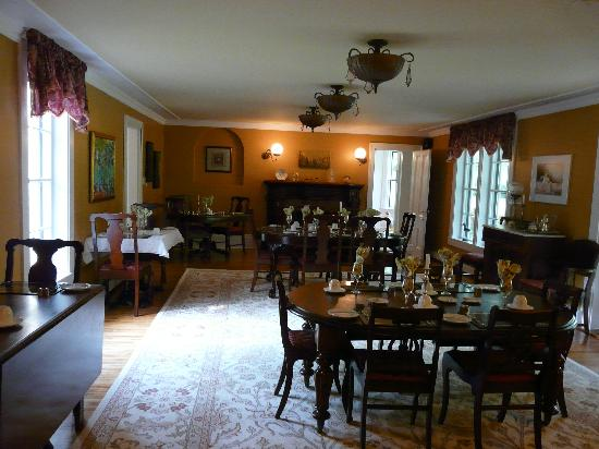 Hillsdale House Inn: Dining Room