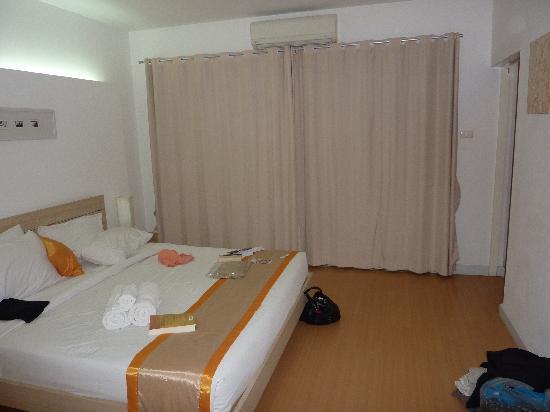 Studio 99 Serviced Apartments: Bedroom