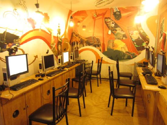 Sawasdee Smile Inn: internet corner