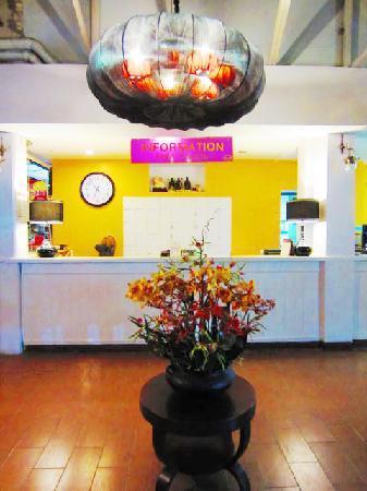Sawasdee Smile Inn: Reception