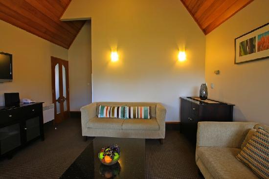 Distinction Te Anau Hotel and Villas: Garden View Two Bedroom Suite