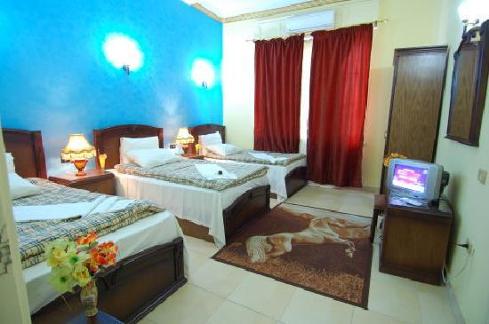 Cairo City Center Hotel: triple room