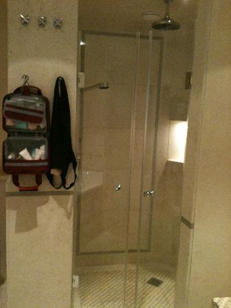 Faehrhaus Sylt: the shower