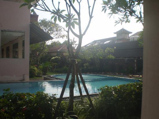 Pesona Beach Inn: Pool view from my terrace