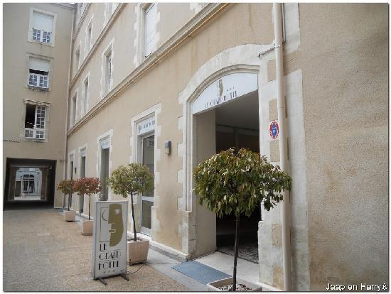 Best Western Poitiers Centre Le Grand Hotel : Hotel entrance