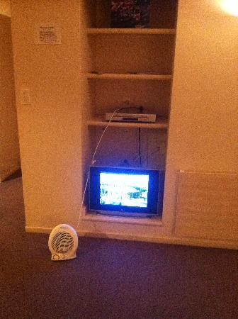 SilverOaks Resort Heritage: Heater with small cord