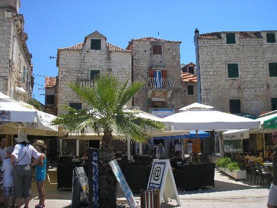 Supetar, Kroatien: Altstadt von Suptar