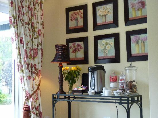 Bryan Manor Guest House : hot drinks anytime