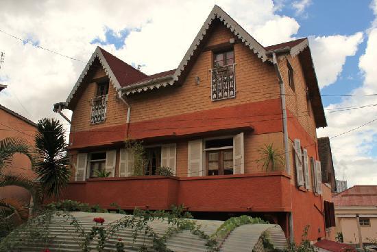 Chez Aina: the house