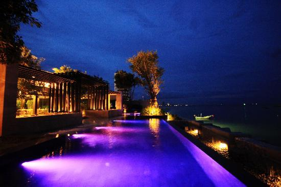 Cher Resort: colorful swimming pool  at night