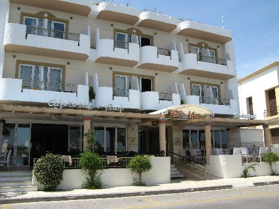 Front view of the Astron Hotel Kos.
