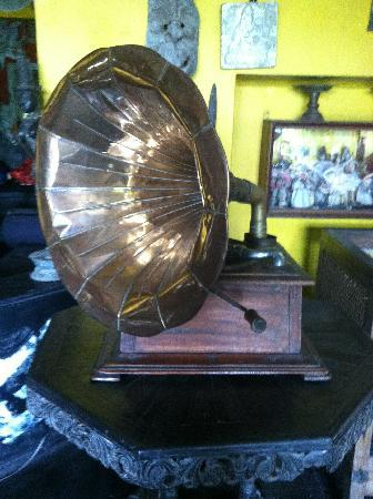 Helga's Folly : Antiques abound