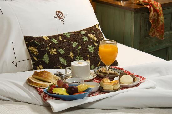 Las Bayas Hotel: Breakfast, Senior Suite