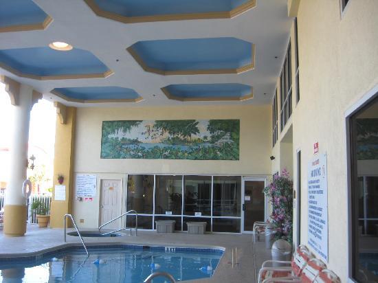 Holiday Inn Express Cocoa Beach Pool Area