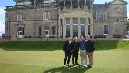 Hoppity House: 1st tee at the Old Course, thanks to Gordon!