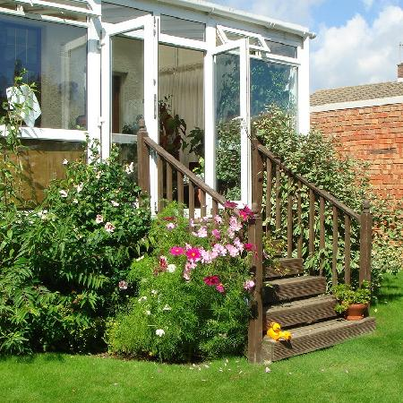Arden House Bed & Breakfast Bexhill: Back garden