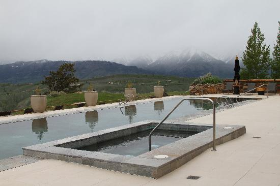 Amangani : Pool and hot tub