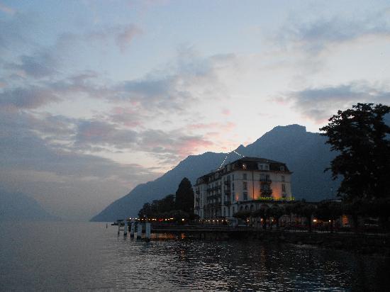 Schmid und Alfa: View of town