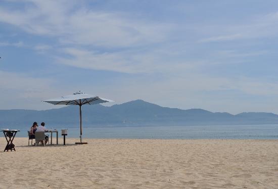 Fusion Maia Da Nang: breakfast by the beach