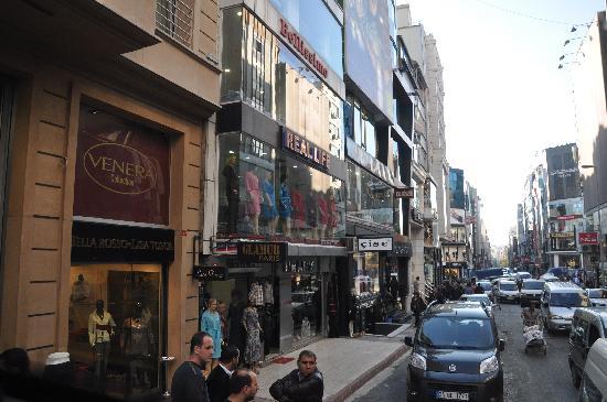 Hotel Venera: la via dove si trova l'hotel