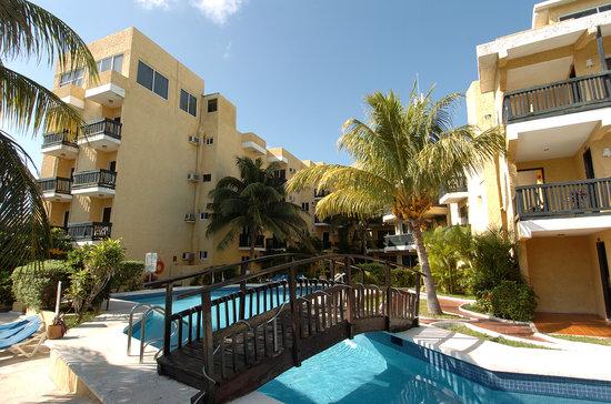 Beach House Imperial Laguna Cancún Hotel: alberca