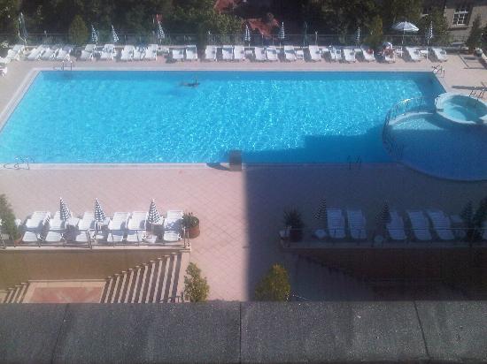 Ramada Plovdiv Trimontium: outdoor pool