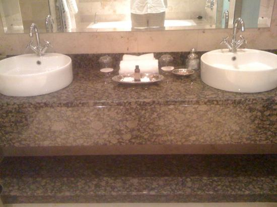 Lough Eske Castle, a Solis Hotel & Spa: sinks with complementary soap