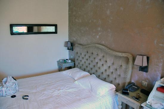 Hotel de la Fossette : the room