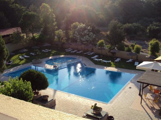 โรงแรมอาชูซาอพาร์ตเมนท์: pool view
