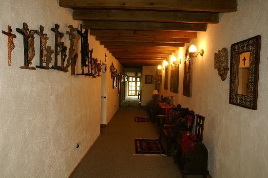 Caserio Valuz: Hallway
