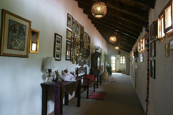 Caserio Valuz : Hallway