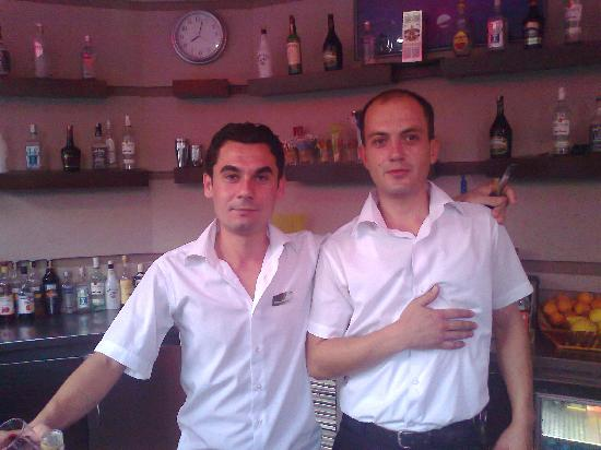 Sultan Sipahi Resort: Bar staff