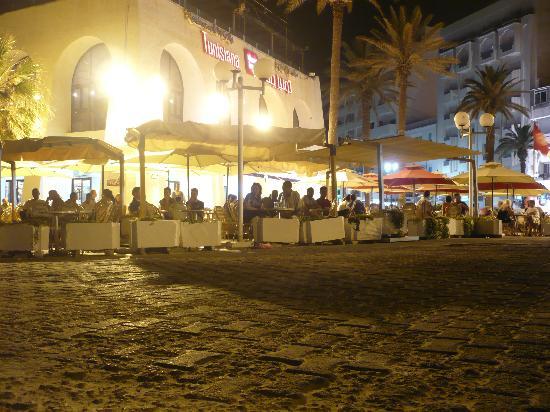 Sousse, Tunisia: café au début du bord de mer - juiin 2011