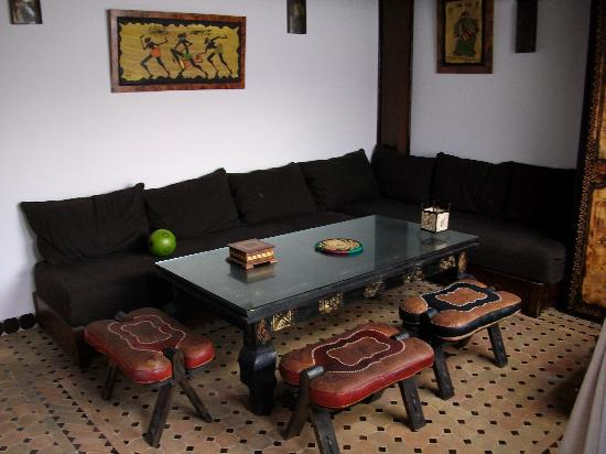 Riad Bab Essaouira: chillout area upstairs