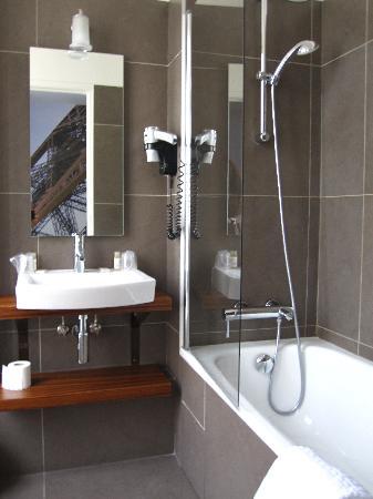 Hotel Le 20 Prieure: Baño