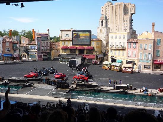 Disneyland Park: The car and bike stunt show