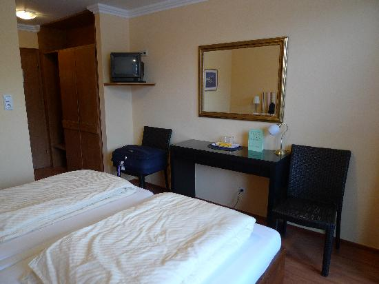 Hotel Seehof: Room 42 (picture 2)