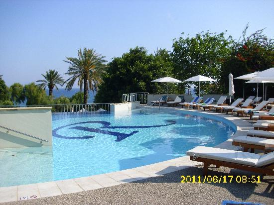 Amathus Beach Hotel Rhodes: one of the pools