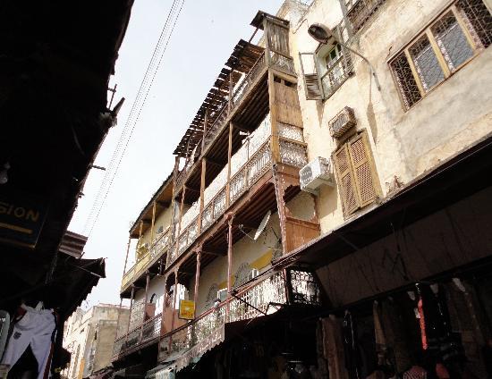 Fez Mellah : Tipica l'architettura dei balconi.