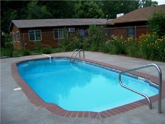 Canyon Lake Resort : After a summer day touring the Black Hills, enjoy a dip in the pool.