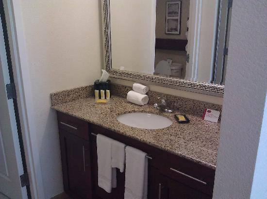 Residence Inn Columbus: Bathroom Vanity