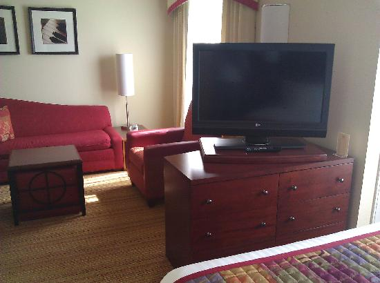 Residence Inn Columbus: Large LCD TV